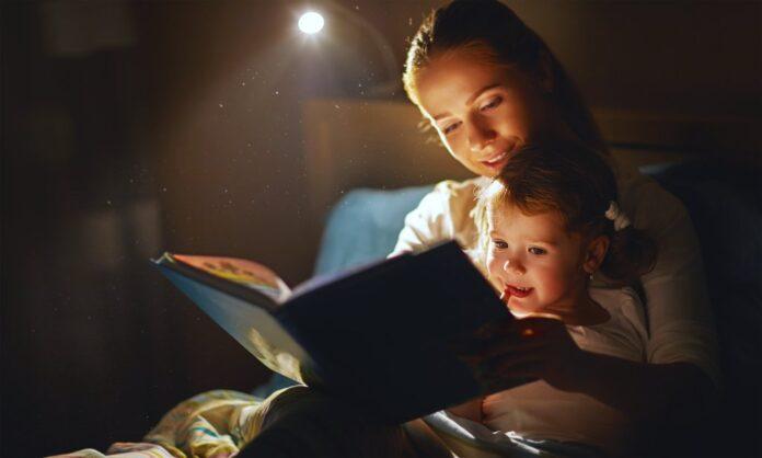 membaca dongeng